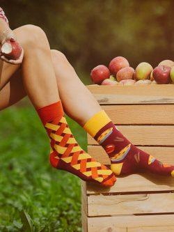 Nogavice-jabolčna-pita